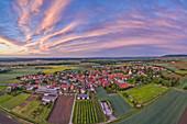 Blick auf Hoheim am Abend, Kitzingen, Unterfranken, Franken, Bayern, Deutschland, Europa