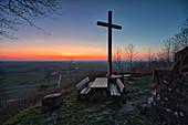 Abends an der Kunigundenkapelle im Weinparadies, Bullenheim, Neustadt an der Aisch, Mittelfranken, Franken, Bayern, Deutschland, Europa