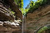 Blick auf den Wasserfall in der Pähler Schlucht, Pähl,  Bayern, Deutschland, Europa