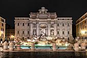 Trevi Fountain illuminated by street lamps, Rome, Lazio, Italy, Europe,