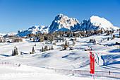 Langlaufen im Skigebiet Seiser Alm, Südtirol, Italien
