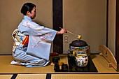 Japan, Honshu island, Kansai region, Kyoto, tea ceremony, tea matcha