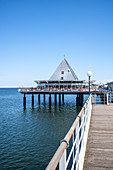 Pier in the Kaiserband Heringsdorf with vacationers and tourists, Usedom, Mecklenburg-Western Pomerania, Germany