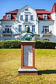Memorial monument for Wilhelm the 1st in Kaiserbad Heringsdorf in front of villa near the beach, Usedom, Mecklenburg-Western Pomerania, Germany