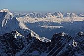 Blick von der Zugspitze, Garmisch-Partenkirchen, Oberbayern, Bayern, Deutschland