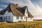 Historic thatched roof house outside of Keitum, Sylt, Schleswig-Holstein, Germany