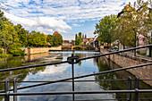 Sicht von Kettensteg auf Pegnitz und Maxbrücke, Nürnberg Innenstadt, Franken, Bayern, Deutschland
