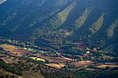 Italy, Umbria, Val Sorda in Autumn