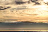 Seezeichen im Meer Folda, Namdalen, Lauvsnes, Tröndelag, Norwegen