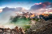 Blick von Sass Pordoi bei Sonnenuntergang, Pass Pordoi, Trient, Trentino-Südtirol, Italien, Südeuropa
