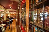 United Kingdom, Scotland, Edinburgh, listed as World Heritage, interior of the Library Bar of the Edinburgh University