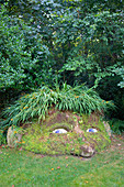 United Kingdom, Cornwall, Mevagissey, The lost gardens of Heligan, vegetal sculpture called The Giant's Head