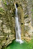Wasserfall Cascata di Salinello, Sibillinische Berge, Monti Sibillini, Nationalpark Monti Sibillini, Parco nazionale dei Monti Sibillini, Apennin, Marken, Italien