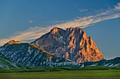 Morning light on Gran Sasso over Campo Imperatore, Gran Sasso, Gran Sasso National Park, Parco nazionale Gran Sasso, Apennines, Abruzzo, Italy
