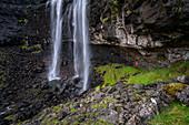 Der höchste Wasserfall auf den Färöer Inseln befindet sich auf der Hauptinsel Streymoy und hat den Namen Fossá