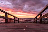 Sonnenaufgang am Strand von Rosenfelde, Ostsee, Ostholstein, Schleswig-Holstein, Deutschland