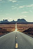 Road to Monument Valley, Utah, Arizona, USA, North America, America