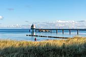Morgenstimmung am Ostseestrand vom Ostseeheilbad Zingst, Fischland-Darss-Zingst, Mecklenburg-Vorpommern, Deutschland