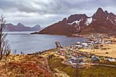Fjorde bei Senjahopen auf Insel Senja, Norwegen