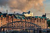 Speicherstadt Hamburg, Elbphilharmonie,  HafenCity, Hamburg, Deutschland \n
