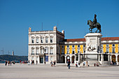 Commerce Square, palace grounds with equestrian statue of King Jose 1st, Praca do Comércio, Lisbon, Portugal, Europe