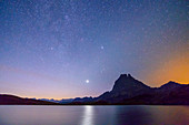 Starry sky over Lac Roumassot and Pic du Midi d´Ossau, Lac Roumassot, Pyrenees National Park, Pyrénées-Atlantiques, Pyrenees, France