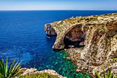 Aussicht auf die Blaue Grotte an der Südküste von Malta, Malta, Europa