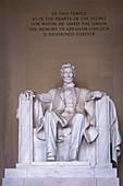 Statue of President Abraham Lincoln, Lincoln Memorial, Washington DC, USA, North America,