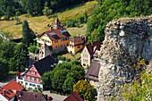 Streitberg im Wisenttal, Fachwerkhäuser, Felsen, Dorf, Häuser, Fränkische Schweiz, Ober-Franken, Bayern, Deutschland