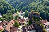 Tüchersfeld, Dorf, Felsen, Landschaft, Fachwerkhäuser, Blick, Ansicht, Fränkische Schweiz, Ober-Franken, Bayern, Deutschland