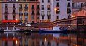 Abends am Ufer des Flusses Temo, Bosa, Sardinien, Italien, Europa
