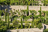 France, Vaucluse, regional natural reserve of Lubéron, Gordes, certified the Most beautiful Villages of France, gardens in floor