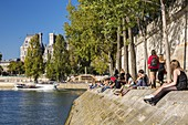 France, Paris, the banks of the Seine listed as World Heritage by UNESCO, the quay of Orleans with a view of the city hall