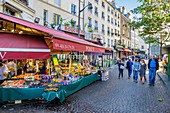 France, Paris, Quartier Latin, Mouffetard street, Pomi Veme offers a large selection of fruits and vegetables