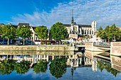 France, Somme, Amiens, banks of Somme river and Notre-Dame cathedral, jewel of the Gothic art, listed as World Heritage by UNESCO