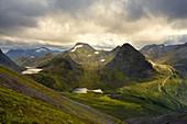 Sonnenuntergang, Wasserfall, Berge, Aussicht, Skarasalen, Fjordnorwegen, Norwegen, Europa\n