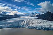 Gletscherzunge, Luftaufnahme, Fjallsarlon, Gletscher, Bucht, Berge, Island, Europa\n