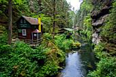 Kamnitz, Fluss, Hütte, Wanderweg, Mezni Louka, Nationalpark, Böhmische Schweiz, Tschechien, Europa\n