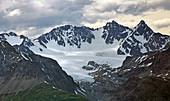 Die Lyngen-Alpen am Lyngen von Olderdalen aus, Troms, Norwegen, Europa
