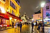 France, Paris, Montmartre, Place du Tertre in Christmas