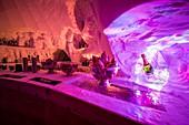France, Savoie, Tarentaise valley, Vanoise massif, Arcs 2000 ski resort, bar room of the village-igloo, during the winter season 2017-2018