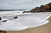 France, Finistere, Cleder, kerfissien beach, wave and foam