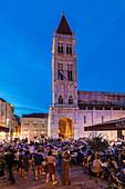 Restaurants and Cafes at Main Square, St. Laurentius Cathedral, Trogir, UNESCO World Heritage Site, Dalmatia, Croatia, Europe