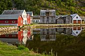 Traditional wooden house in Gamle Laerdalsöyri (Laerdal), Sognefjord, Sogn og Fjordane, Norway, Europe