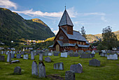 Sonnenuntergang, Stabkirche Roeldal, Stavkyrkje Roeldal, Roeldal, Odda, Hordaland, Norwegen, Europa