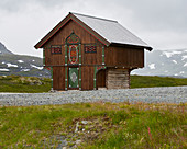 Haukelifjell, Telemark-style house at Hotel Haukelifjell, Haukelivegen, Kjelavatnet, Telemark, Norway, Europe