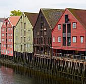 Trondheim, storage district on the Nidelva, Bakklandet, Sör-Trondelag Province, Trondelag, Norway, Europe