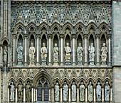 Sculpture decorations at Nidaros Cathedral, Cathedral (Nidaros domkirke) in Trondheim, Nidelva, Sör-Trondelag Province, Trondelag, Norway, Europe