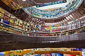 Mustafa Centre, das 24-Stunden-Einkaufszentrum an der Syed Alwi Road im Kulturviertel Little India, Singapur, Asien