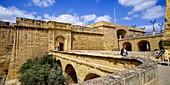 Am Tor der Festung St. Angelo, Vittoriosa, Birgu, Valletta, Malta, Europa